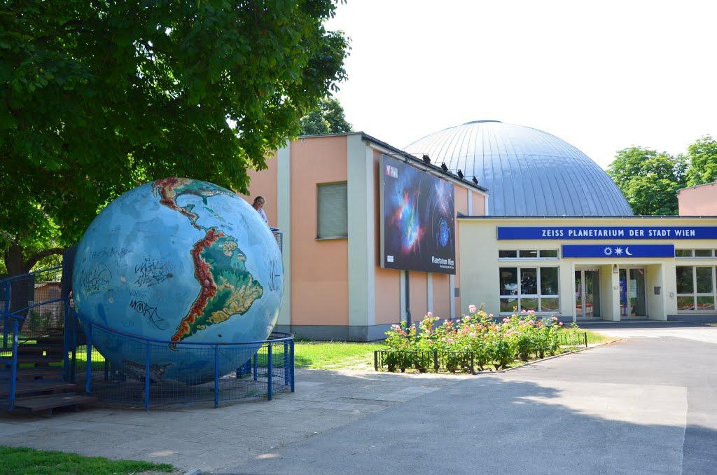 Planetarium Wien: Gratis Eintritt mit Handtuch - nur heute 25.5.2016 - 9 € sparen