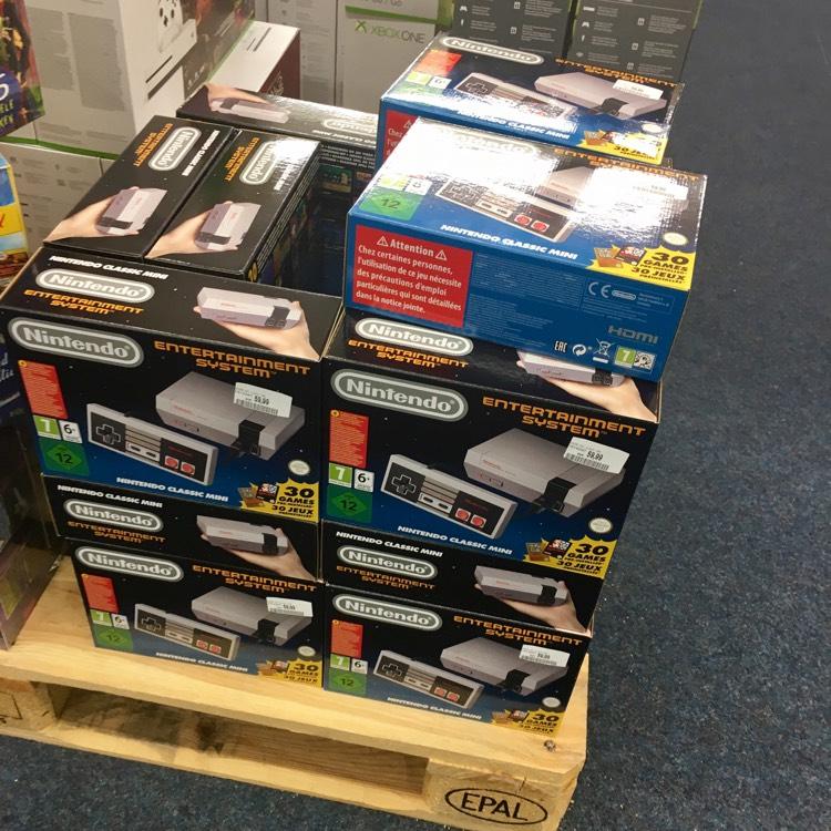 Nintendo NES Classic Mini bei Saturn Vösendorf UCI