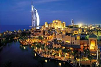 Schnäppchenflüge: Dubai ab 316€ oder Bangkok ab 446€ (hin und zurück)