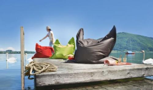 XL Sitzsack Outdoor um 40 € versandkostenfrei bei Möbelix