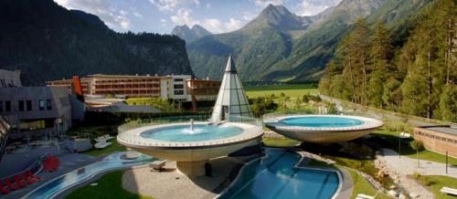 Aqua Dome in Tirol für 3 Nächte um 698 € für 2 Personen (Thermeneintritt & HP) - 27% Ersparnis