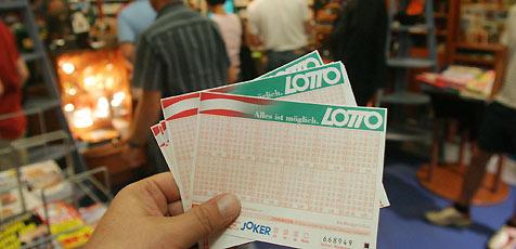 """6, 12 oder 24 Lottofelder """"6 aus 45"""" bei Lottoland ab 3,60 € - 50% sparen"""