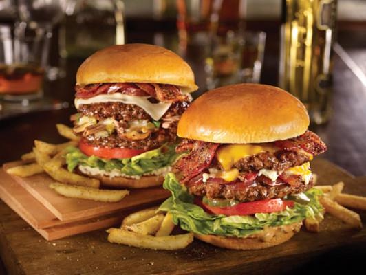 TGI Fridays - 1 + 1 Burger Gratis - bis 31.8.2015
