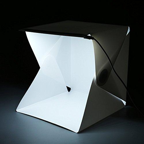[Amazon Prime] mini Fotostudio Set mit LED-Leuchte, 24x22x24cm, inkl. 2 Hintergründe für 15,99€