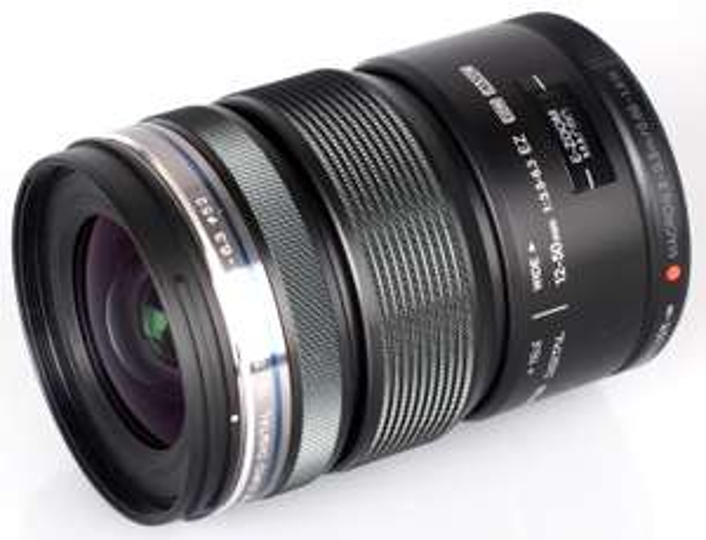 AMAZON.ES/Olympus M.Zuiko Digital ED 12-50mm inkl. Versand um 174 € statt 305 €