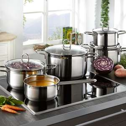 [moemax.at] Kochtopfset (4 Töpfe + 4 Deckel + Stielkasserolle, induktionsgeeignet) mit Newslettergutschein für 23,24€