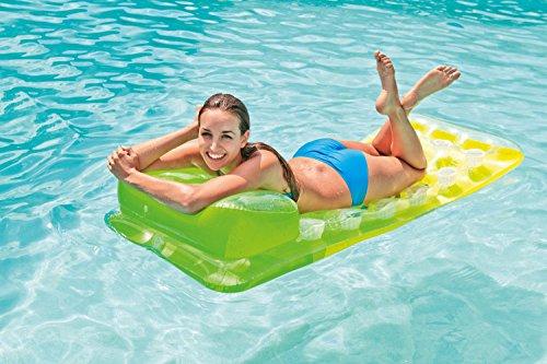 Intex Lounge für 4,13€ / Intex Luftpumpe für 5,98€ / Bestway Schwimmring für 2,44€ [Amazon Plus/Prime]