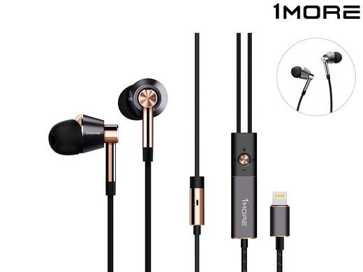 1MORE Triple Driver In-Ear Headphones mit Lightning Anschluss (gold oder silber) für 60,95€