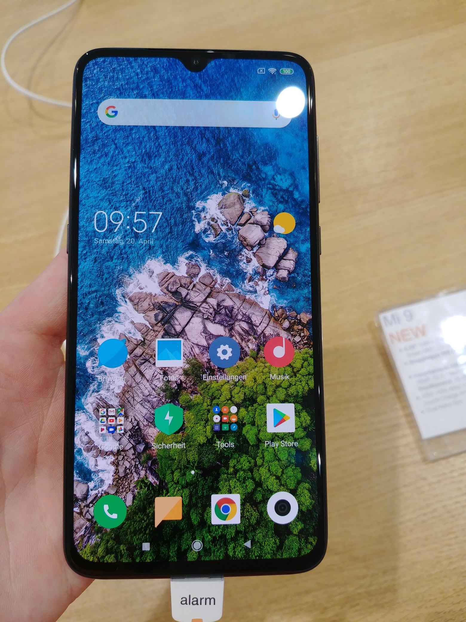 Xiaomi Mi 9 im Mi Store SCS