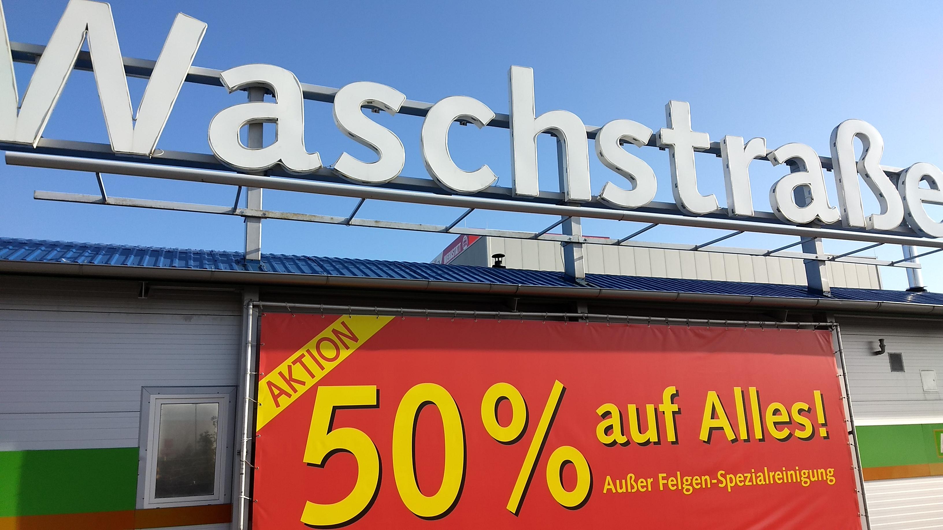 -50 % auf jede Autowäsche + gratis Staubsaugen