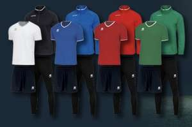 Errea Trainingspaket 4-teilig in 4 Farben, vielen Größen (auch Kinder)
