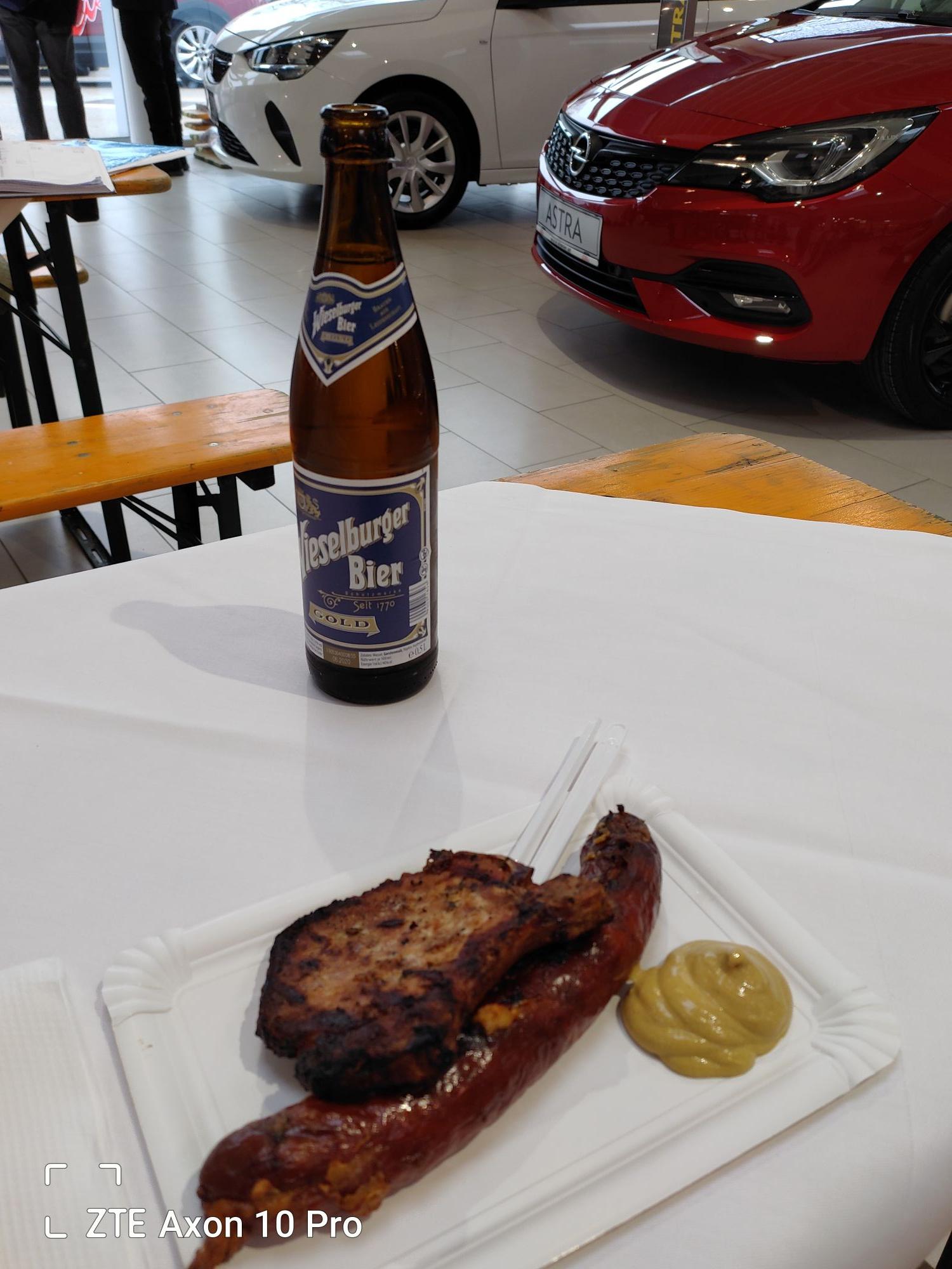 Gratis Grillerei und Bier bei Opel Eisner Breitenfurter Strasse