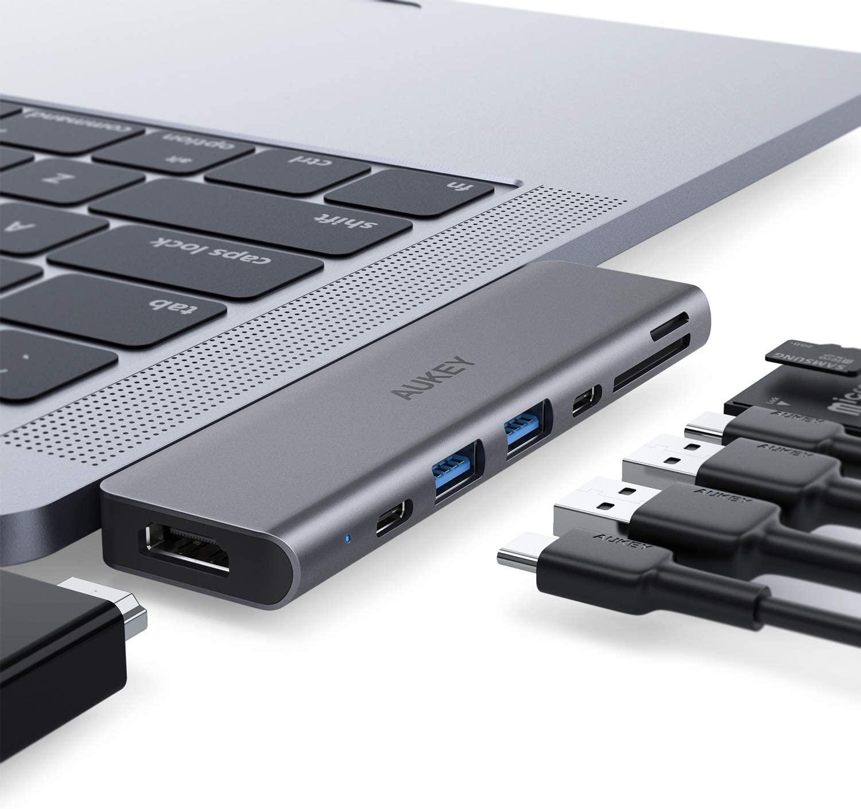 AUKEY USB C Hub Macbook Pro Adapter Thunderbolt 3 Dock mit 4K HDMI, 2 USB 3.0, USB-C Datenanschluss, SD- und MicroSD-Kartenleser