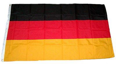 Große Deutschlandflagge für 3€ oder Fanset für 5€