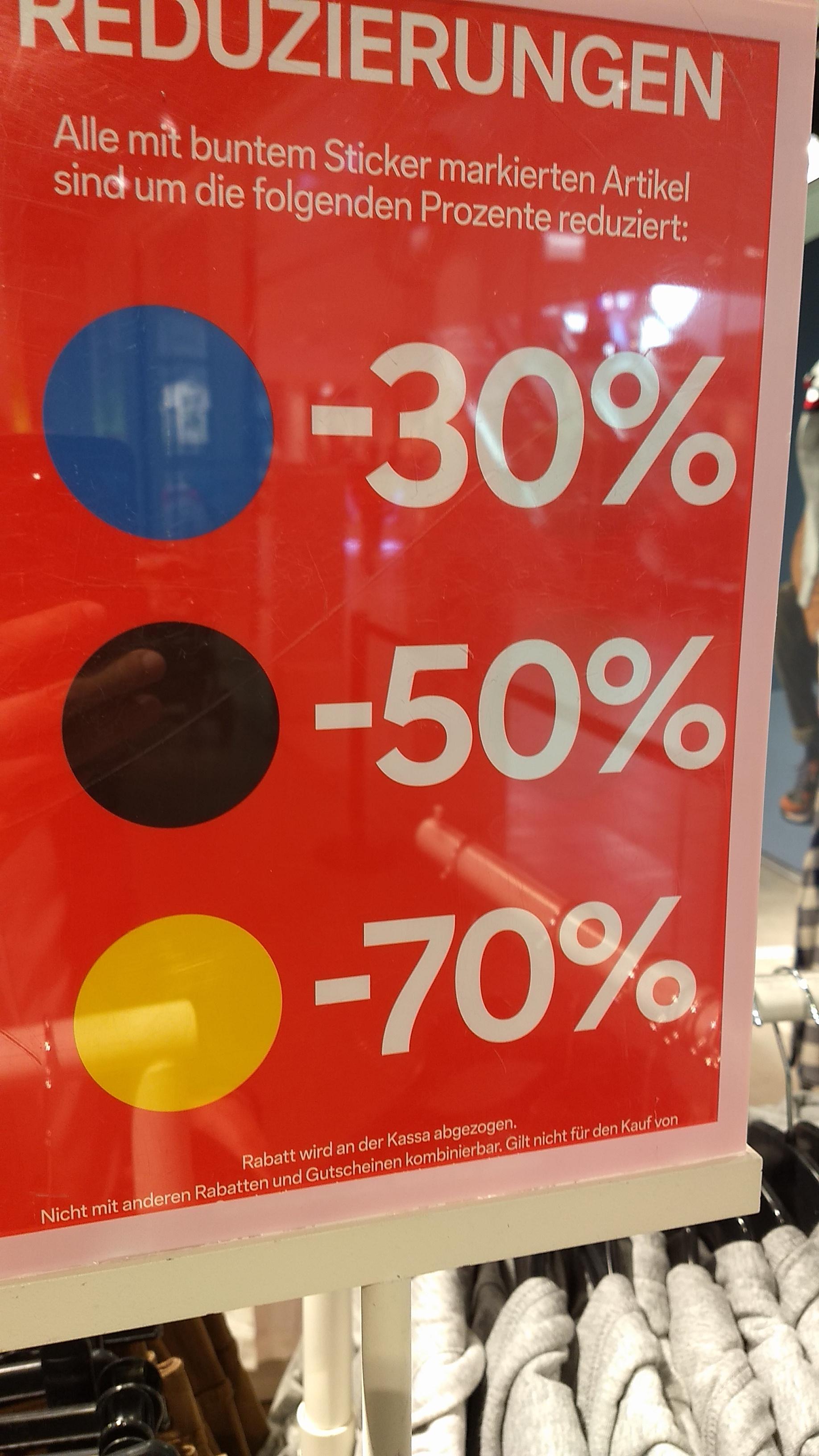 C & A bis minus 70 %, ab 2. Mai, exklusiv in den Filialen