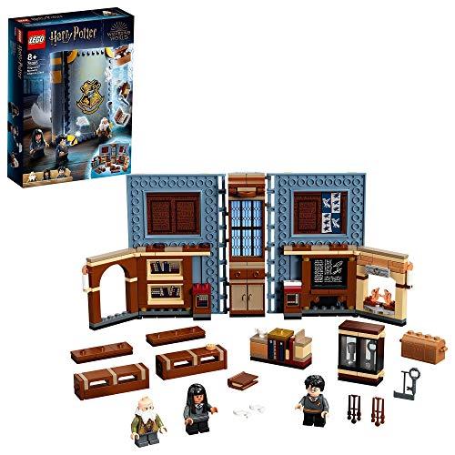 LEGO 76385 Harry Potter Hogwarts Moment: Zauberkunstunterricht, sammelbares Spielzeugbuch, Reisekoffer, tragbares Spielset