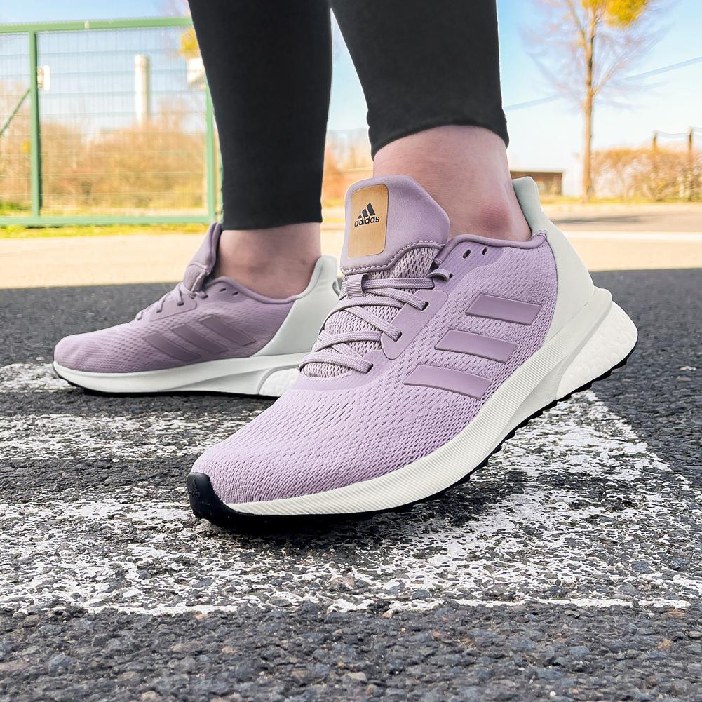 Adidas Astrarun BOOST Damen Laufschuhe in vielen Größen