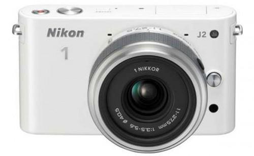 Digitale Systemkamera Nikon 1 J2 mit 11-27,5-mm Objektiv für 222 € - 24% sparen