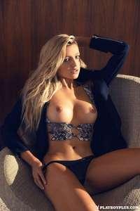 (Geiler Preisjäger) Playboy - GRATIS Bilder-Sets und Videos von Monica Sims