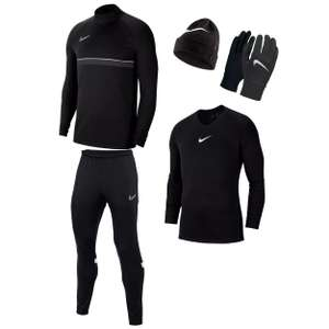 4-teiliges Nike Winterset, verschiedene Farben & Größen