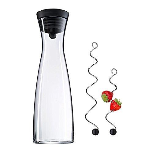 WMF Basic Wasserkaraffe Set 3-teilig, 1,5L Karaffe mit 2 Fruchtspieße
